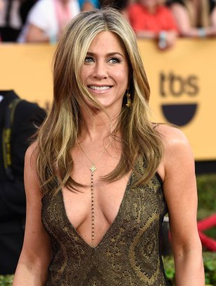 jennifer-aniston-sag-26jan15-05